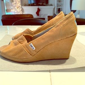 Tom's corduroy wedge heel